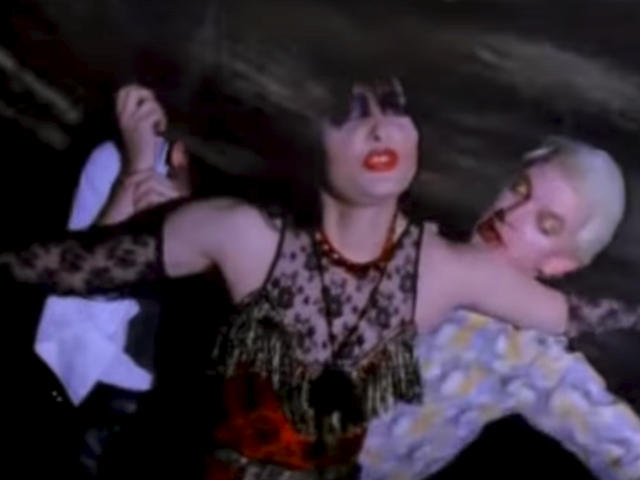 Siouxsie & The Banshees – Dear Prudence