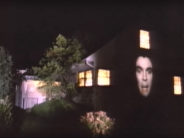 Talking Heads – Burning Down The House