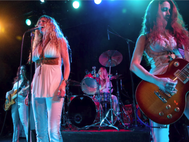 Zepparella – When The Levee Breaks