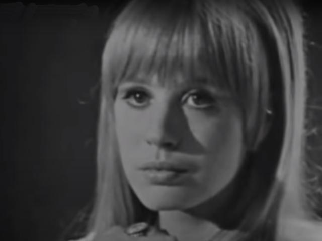 Marianne Faithfull – Sunny Goodge Street