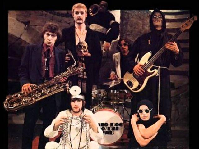 Bonzo Dog Doo Dah Band - I'm The Urban Spaceman