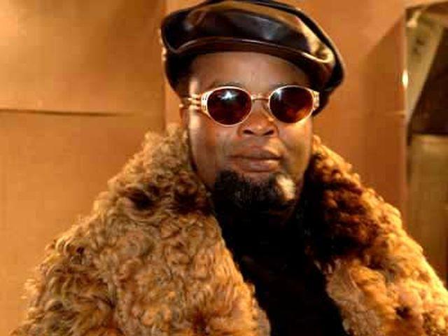 Felix Wazekwa - Faux Mutu
